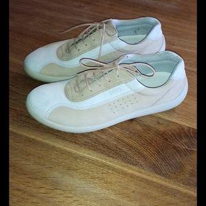 Ladies Women Athletic Shoes    Ecco size 39